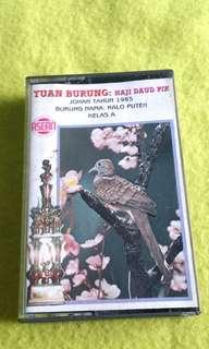 TUAN BURUNG / HAJI DAUD PIK (Rare) cassette tape not vinyl record