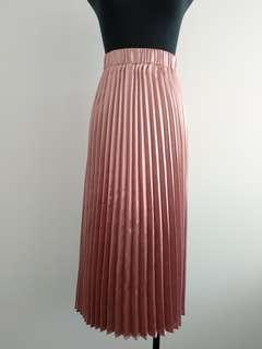 Piper pink metallic pleated skirt size 10