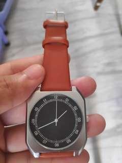 🚚 Minimalist Watch