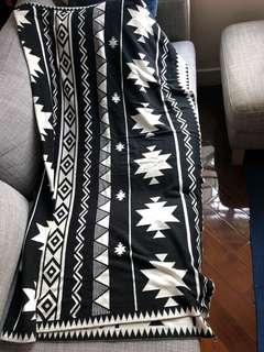 Tahari blanket