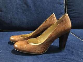 Nine West 3.5 inch-heel pumps