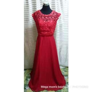 For rent: red gown