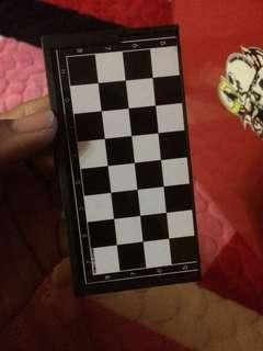 Chess set mini box