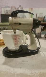 Vintage cake mixer (rental only)