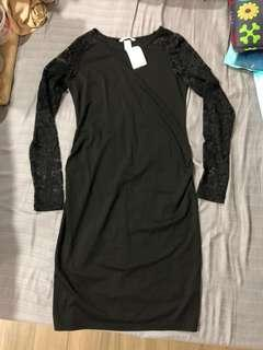 New H&M maternity laced dress