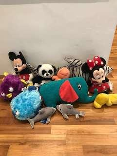 Bundle of 11 stuffed toys for kids!