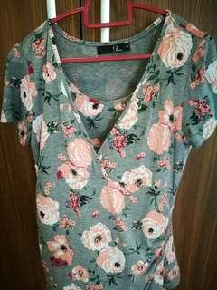 Maternity and breast feeding top