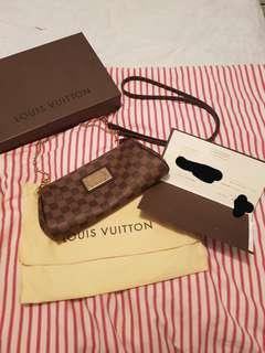 Louis Vuitton - Eva Damier Clutch