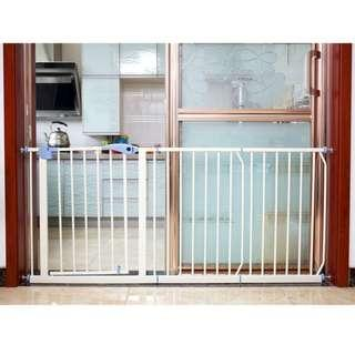 BRAND NEW SAFETY GATE / BARRIERS FOR PETS N KIDS