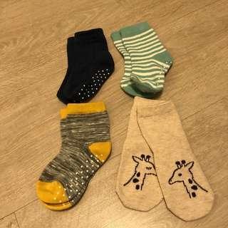 UNIQLO Baby Socks (12-15cm)