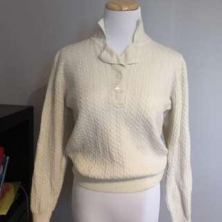 Vintage 100% wool cable knit ivory sweater