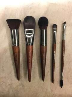 🚚 New Makeup For Ever Brushes set highly recommended popular brushes here! 154 152 108 228 274