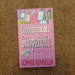 Confessions of a Shopaholic oleh Sophie Kinsella [U]