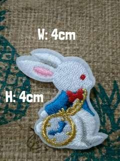 🚚 Alice in wonderland bunny rabbit brooch badge pin
