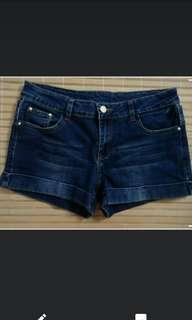 🚚 深藍牛仔短褲