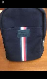 🚚 Tommy美國限定背包 只有一個 supreme gucci bape lv可參考