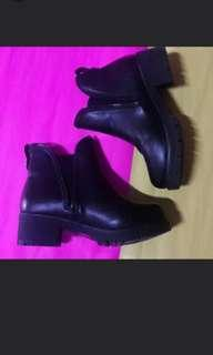 Chelsea Korean Black Boots