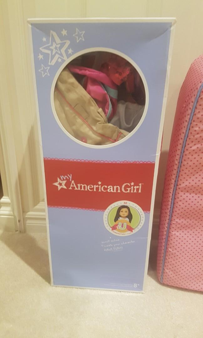 American girl closet and accessories, perfect condition!