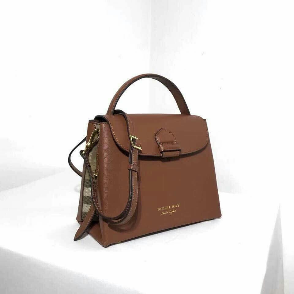 Burberry crossbody bag 7a561a971d55b