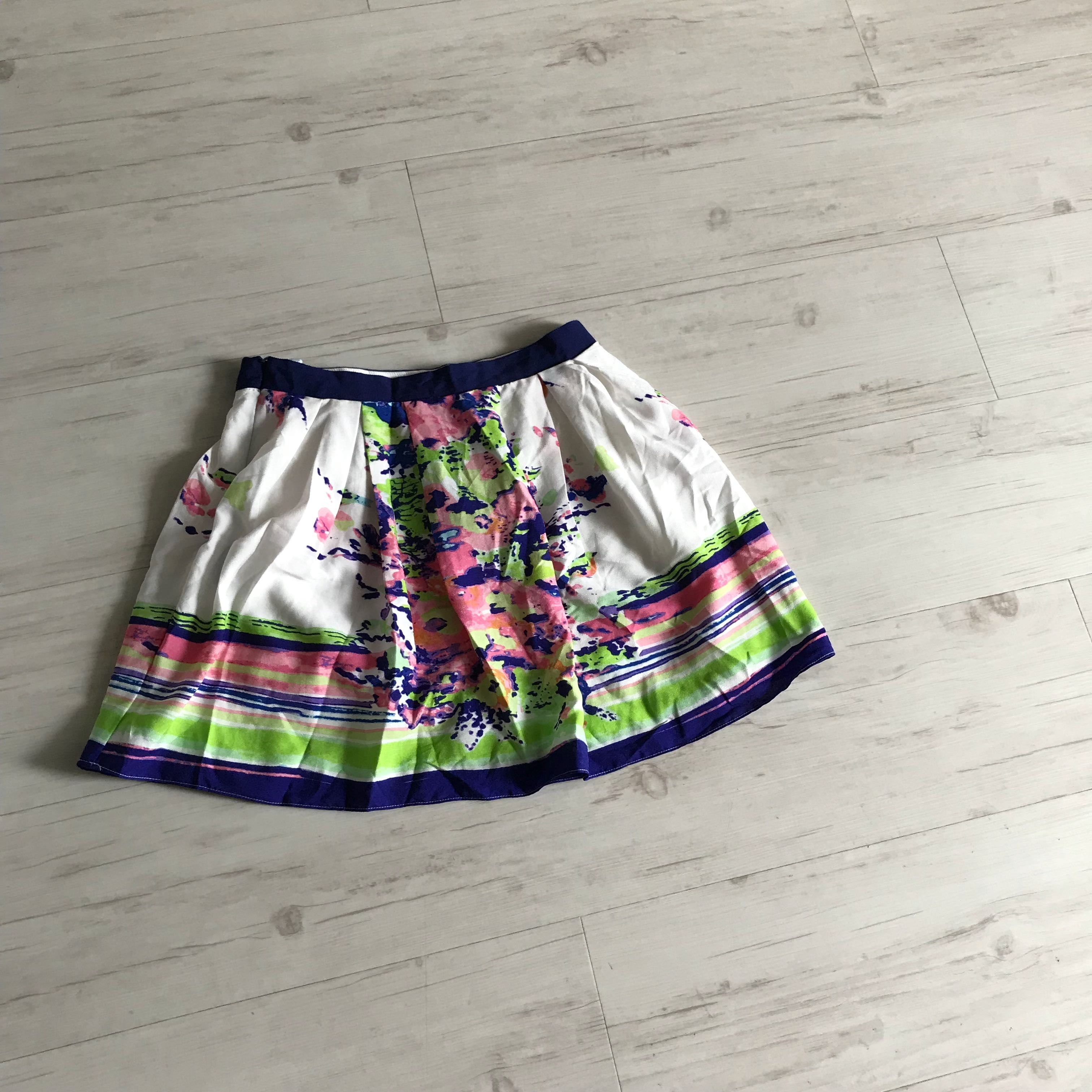 fb5329f2c4 Floral print short skirt, Women's Fashion, Clothes, Dresses & Skirts ...