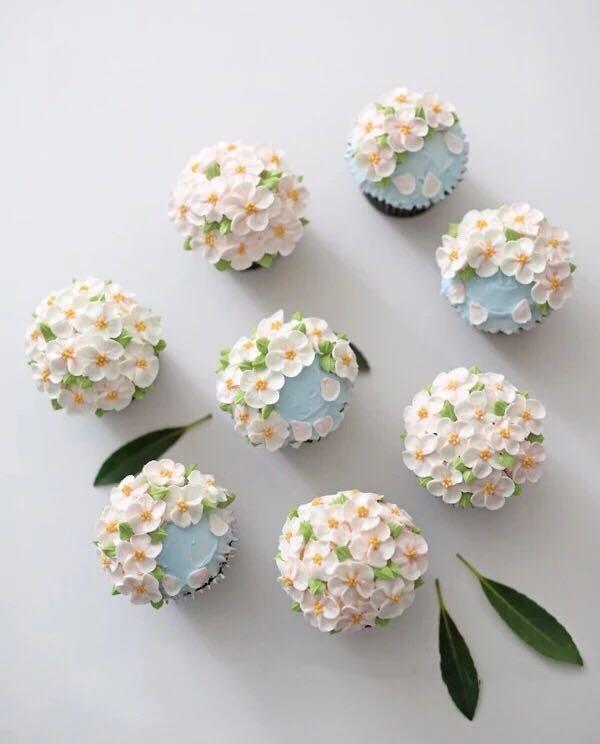 Korean Flower Cupcakes Wedding Cake Favor
