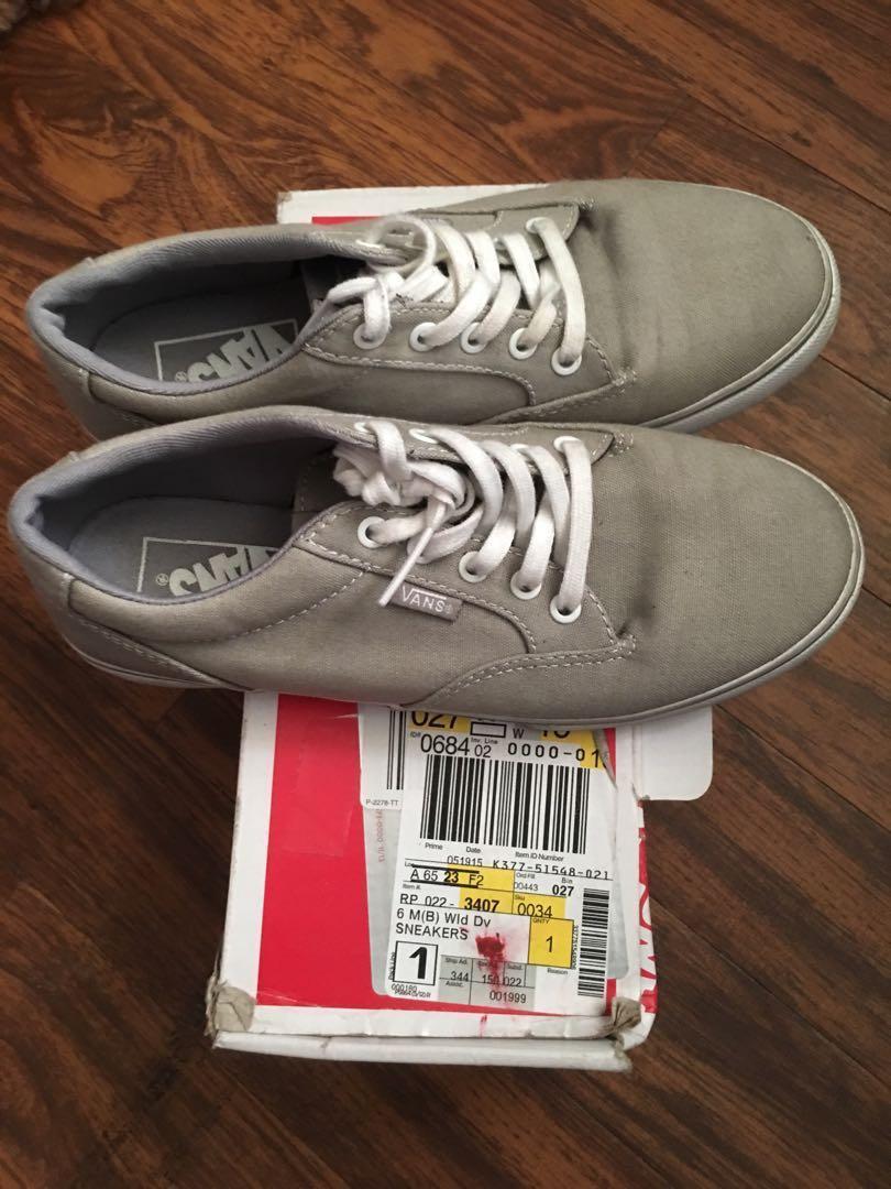 Sale!!! Vans Sneakers Gray size 6 2391575c6