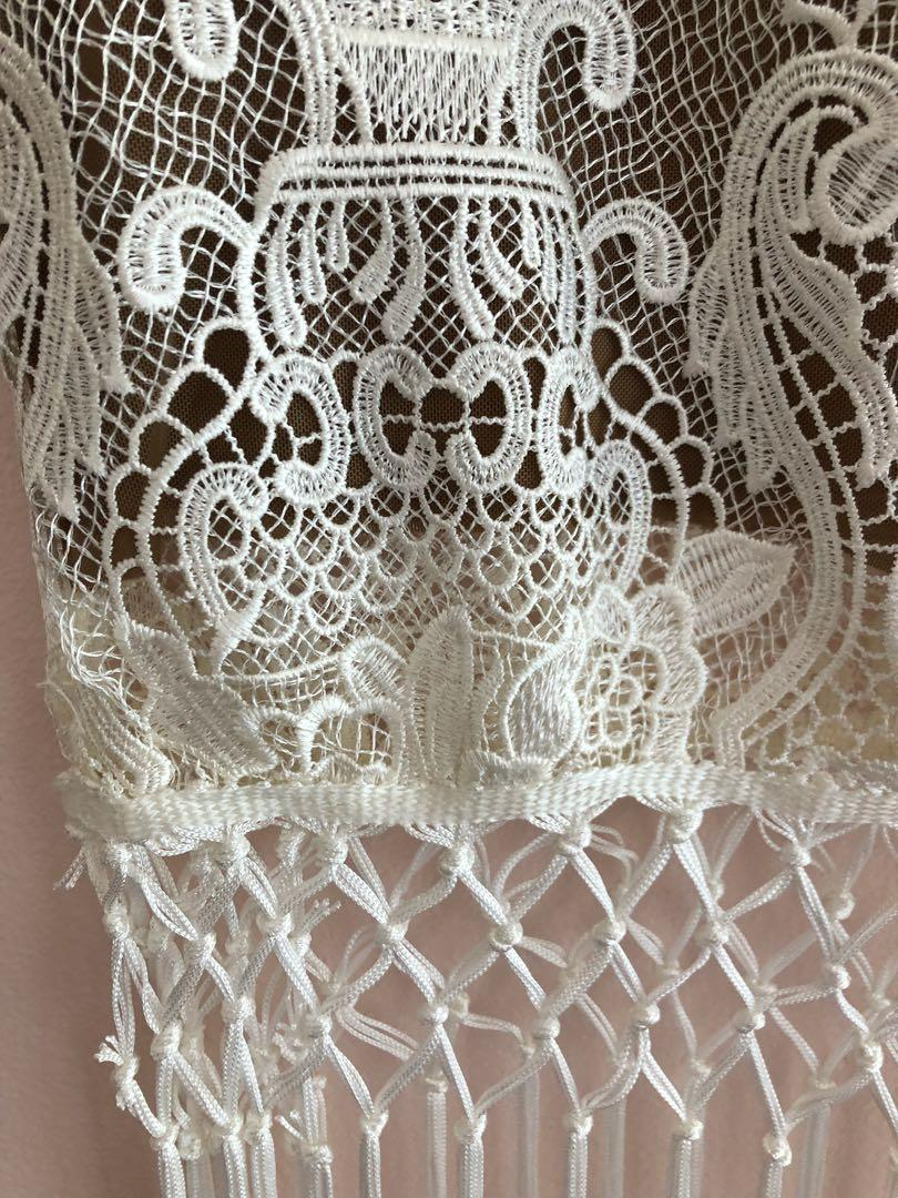 Self Portrait Style White Lace Fringe Skirt - Best Fits Size 10