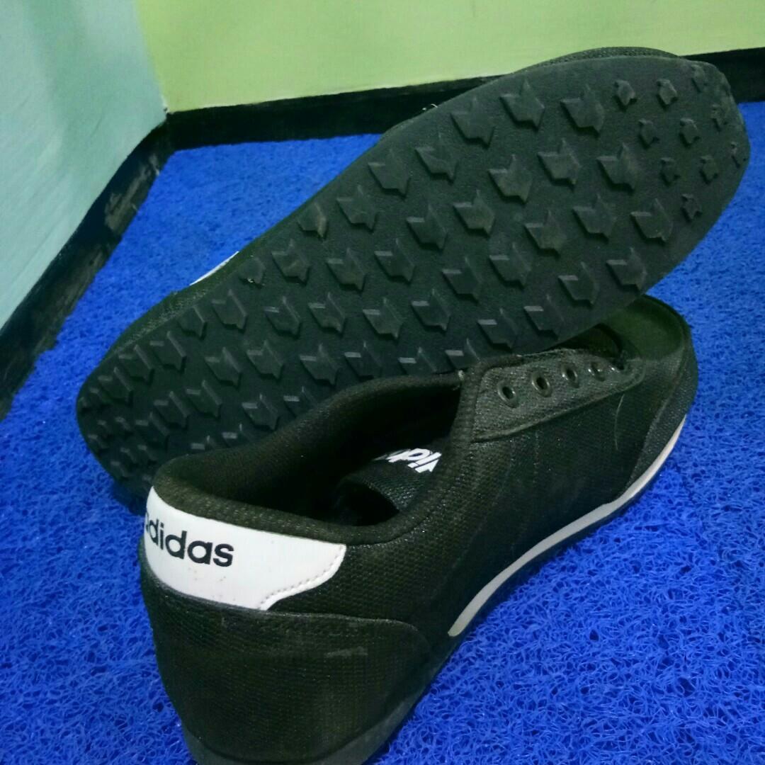 Sepatu Adidas Neo Jogging