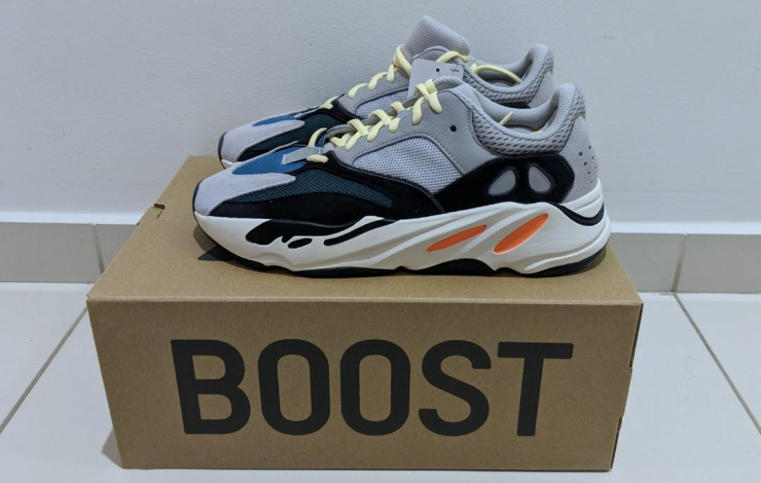 quality design 1fe12 eeecf Yeezy 700 Wave Runner (Adidas) - US 10.5, Men's Fashion ...