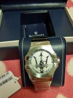 🚚 全新 MASERATI 瑪莎拉蒂經典銀白色款 鋼錶帶 編號:R8853108002