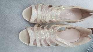 Stepss heels size 8