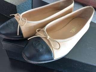 Chanel flats lambskin beige/black