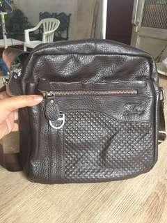 Sling bag leather imported