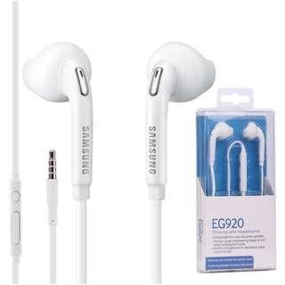 BNIB - SAMSUNG EO-EG920BW EARPHONE