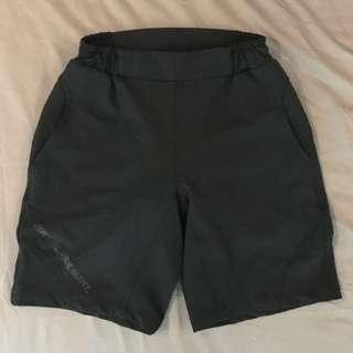 Giant mens 2 in 1 casual shorts + cycling padded shorts