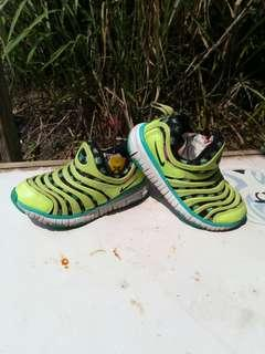 Nike Dynamo