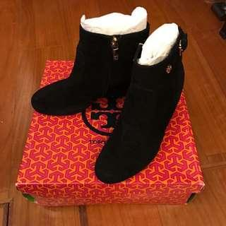 🚚 Tory Burch 黑色麂皮短靴,只穿過一次