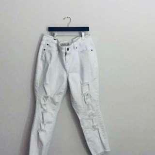 (Retails $80+) White Ripped Jeans from Torrid