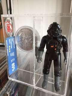 Vintage Star Wars-potf tie fighter pilot with coin