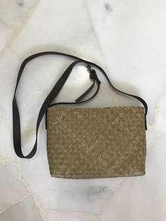 BN basic rattan crossbody bag