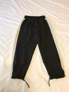 🚚 黑色哈倫褲
