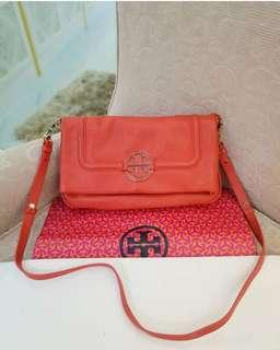 UNUSED. Tory Burch Amanda Foldover Messenger Clutch Crossbody Bag ❤MARK DOWN SALE❤ Good as brand new condition  With generic dustbag and paperbag  Swipe up for detailed pics