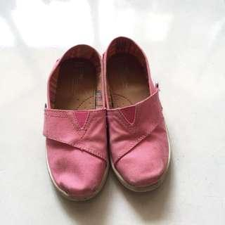 Authentic TOMS for girls UK11 in pink