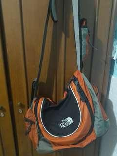 Tas The North Face Slempang