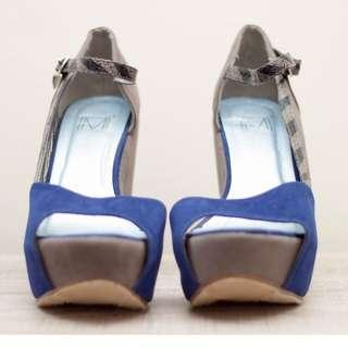 Royal blue-Gray wedge