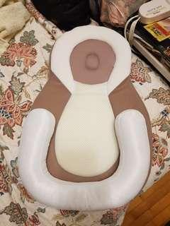 🚚 全新 新生兒定位床墊 防偏頭
