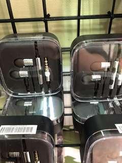 🚚 耳塞式耳機 付3組耳塞套