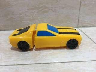 Mobil mobilan kuning