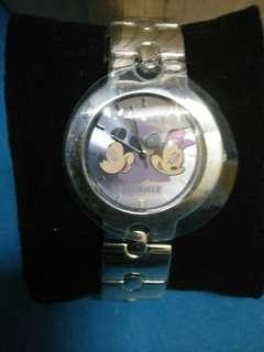 BRAND NEW WITH TAG! Official Disney Licensed Mickey and Minnie Mouse Metal Strap Watch