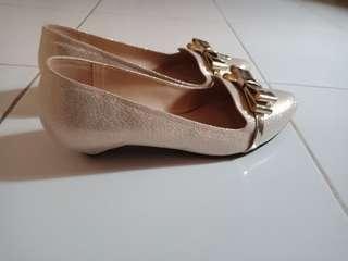 Sepatu details uk.37